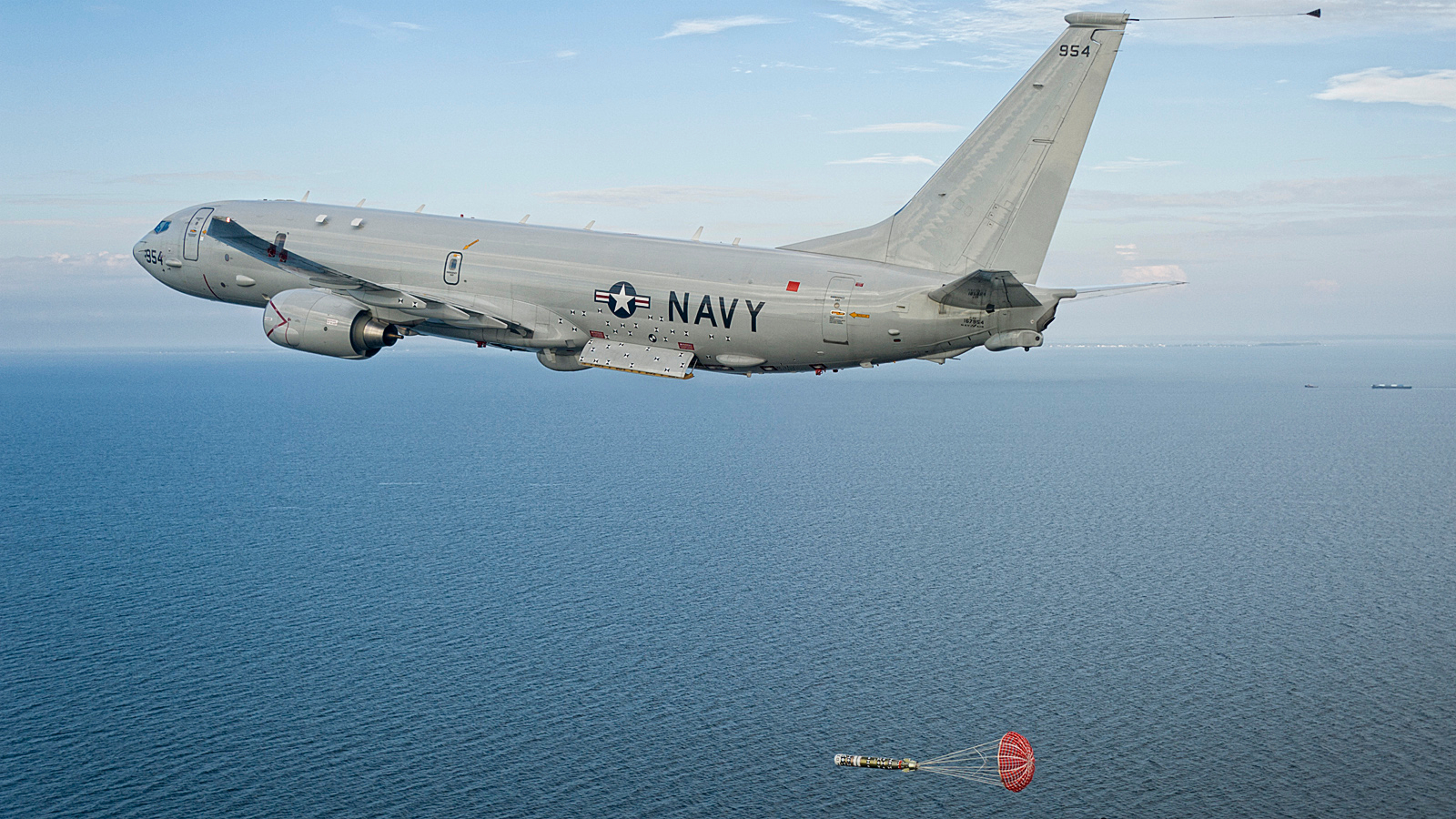 http://harmoniaphilosophica.files.wordpress.com/2013/02/p-8a-poseidon-torp-drop-usn-1.jpg