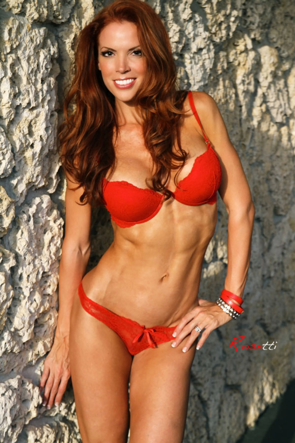 image Female muscle babe ginger martin has an amazing body