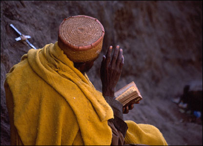 ethiopian-pilgrim-with-bible