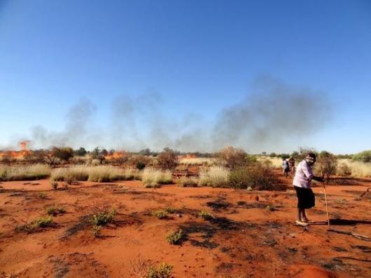 aboriginal-hunters-desert